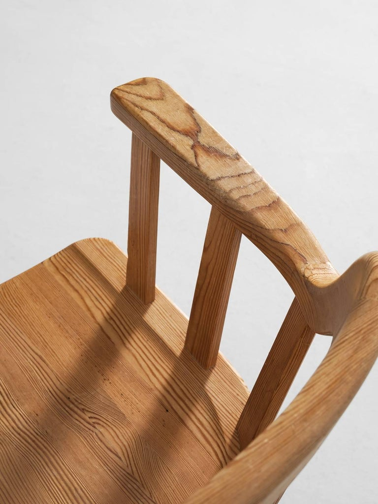 Set of Eight Dining Chairs in Pine For Sale 2