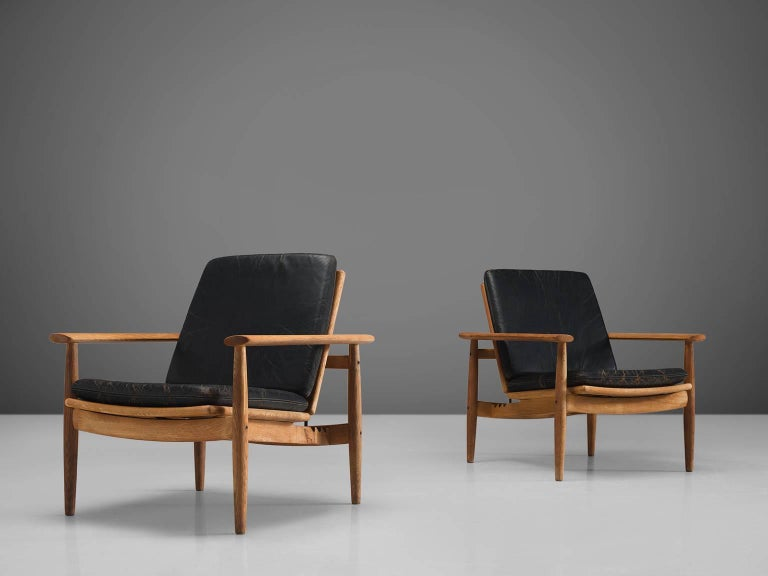 Scandinavian Modern Johan Hagen Oak Armchairs in Original Leather For Sale