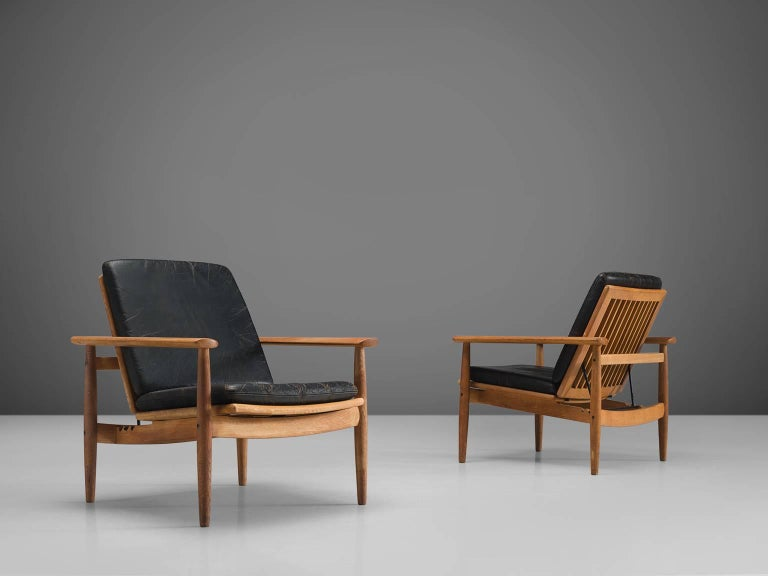 Danish Johan Hagen Oak Armchairs in Original Leather For Sale