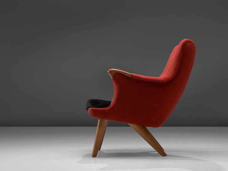 Scandinavian Modern Danish Lounge Chair in Oak and Red Fabric, 1960s For Sale