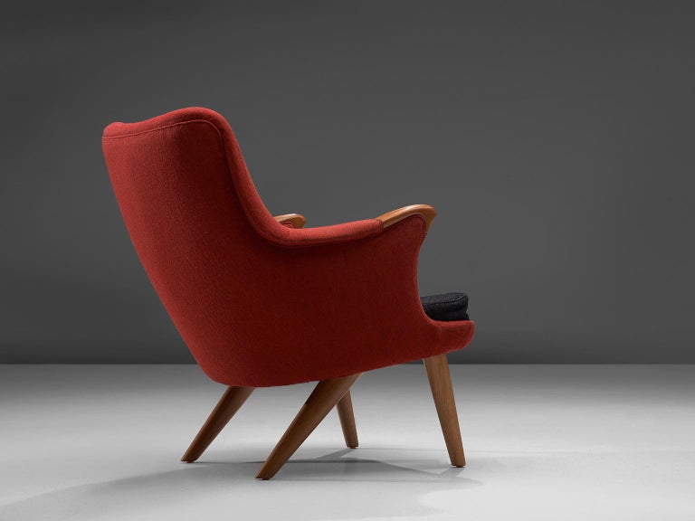 Danish Lounge Chair in Oak and Red Fabric, 1960s In Good Condition For Sale In Waalwijk, NL