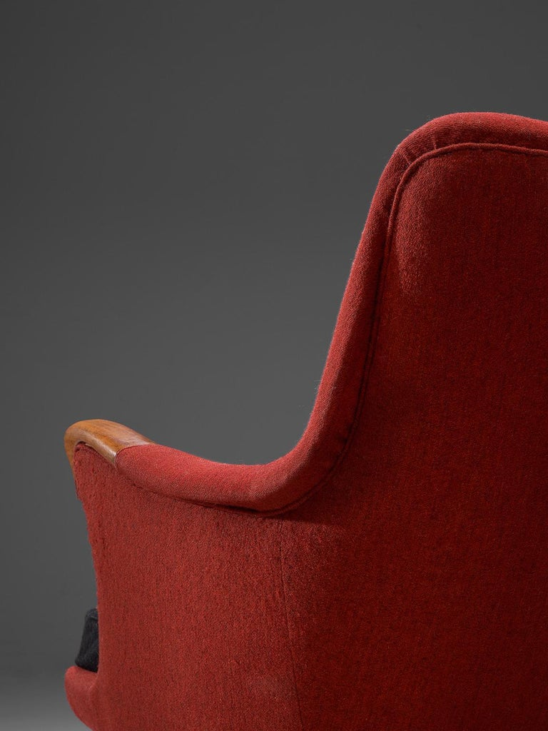 Danish Lounge Chair in Oak and Red Fabric, 1960s For Sale 1