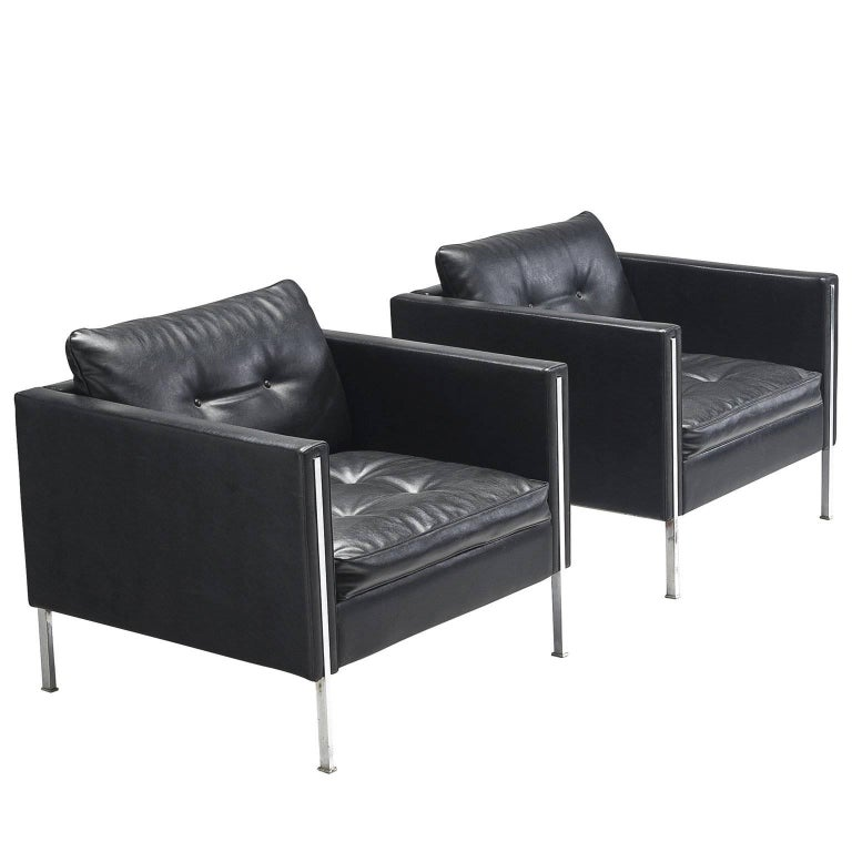 Pierre Paulin Pair of 442 Lounge Chairs for Artifort For Sale