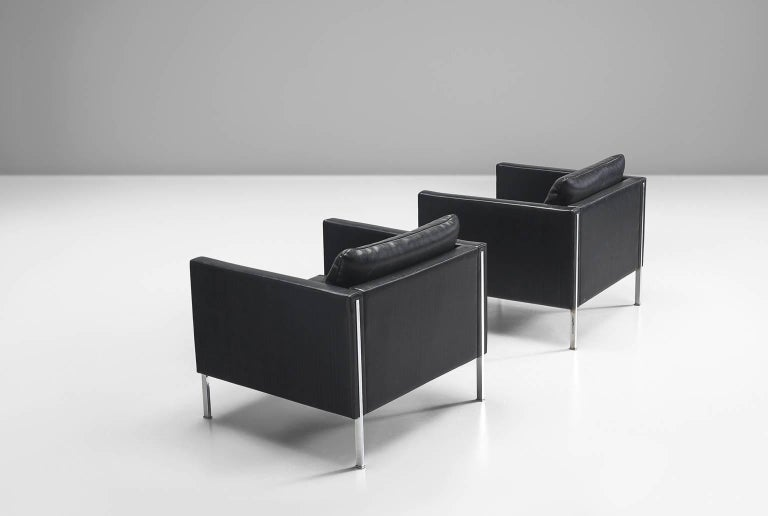 Post-Modern Pierre Paulin Pair of 442 Lounge Chairs for Artifort For Sale