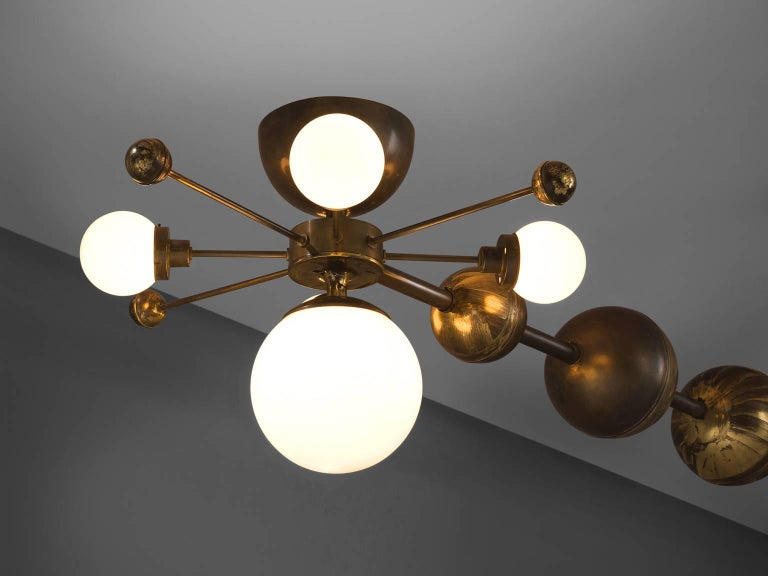 European Large Sputnik Chandelier in Glass and Patinated Brass, circa 1960 For Sale