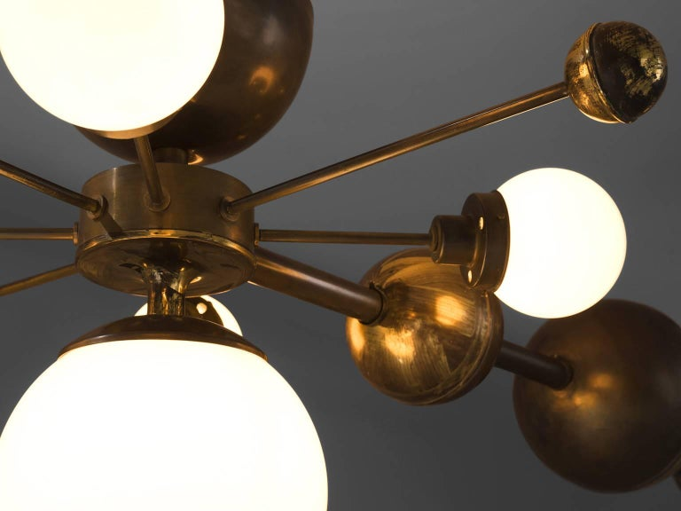 Large Sputnik Chandelier in Glass and Patinated Brass, circa 1960 For Sale 2
