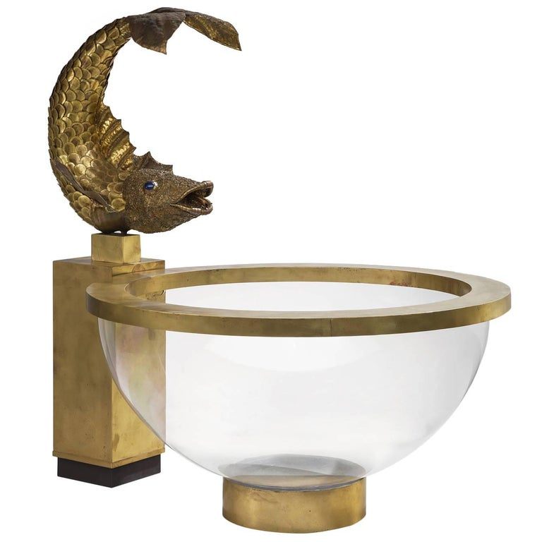 Luxurious Fish Fountain in Brass and Lucite, France, 1960s For Sale