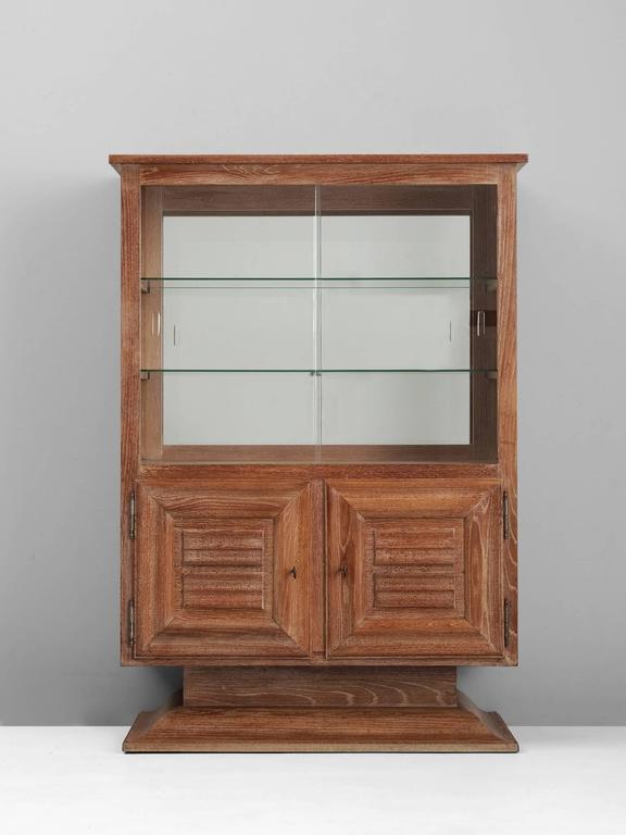 Art deco vitrine cabinet in oak for sale at 1stdibs for Decoration vitrine