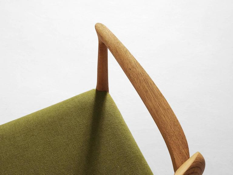 Niels O. Moller Set of four Dining Chairs in Oak and Green Fabric Upholstery For Sale 2
