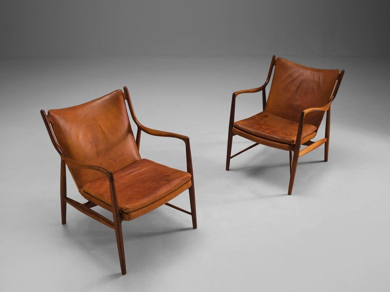Mid-20th Century Finn Juhl for Niels Vodder Pair of NV45 in Original Cognac Leather For Sale