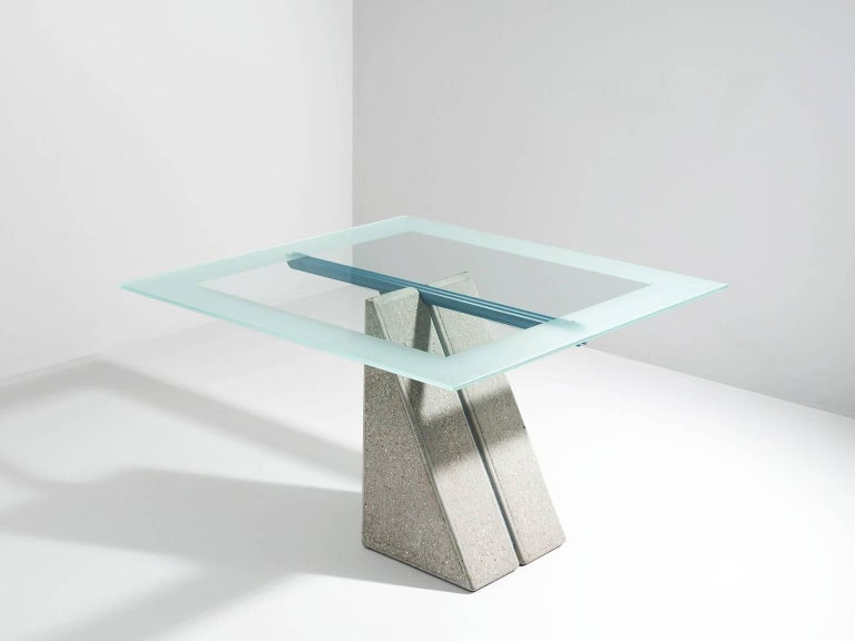 Giovanni Offredi for Saporiti, dining table, in concrete, metal and glass by Italy, 1970s. 