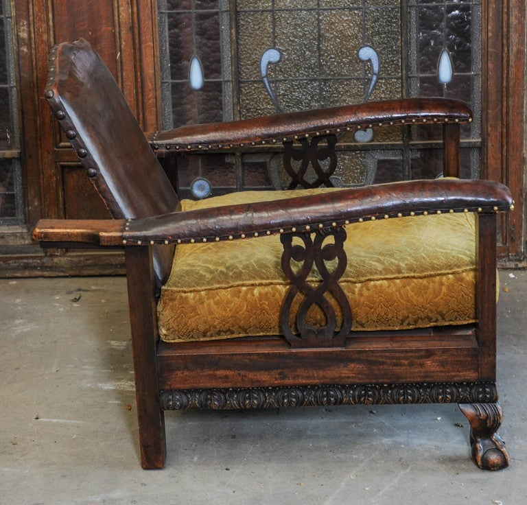 1920s Dutch Colonial Suite of Furniture/Living Room Set of Sofa and Two Chairs In Good Condition For Sale In Baambrugge, NL