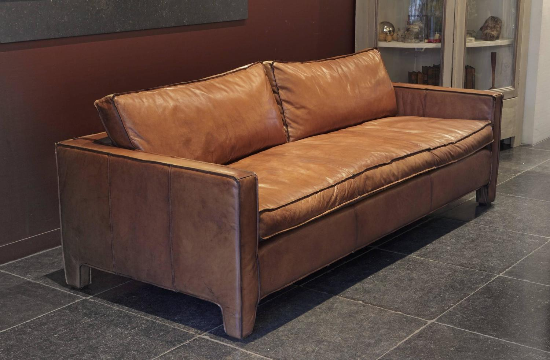 Comfortable Modern And Sleek Calfskin Leather Three Seat