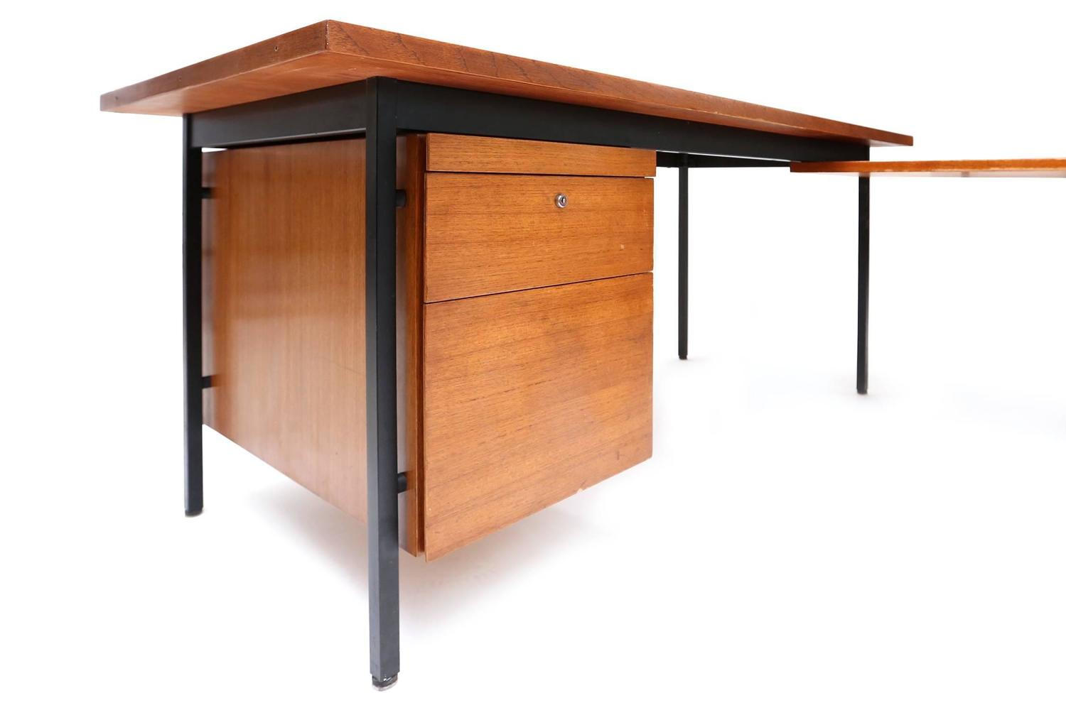 Florence knoll desk for sale at 1stdibs for B b maison florence