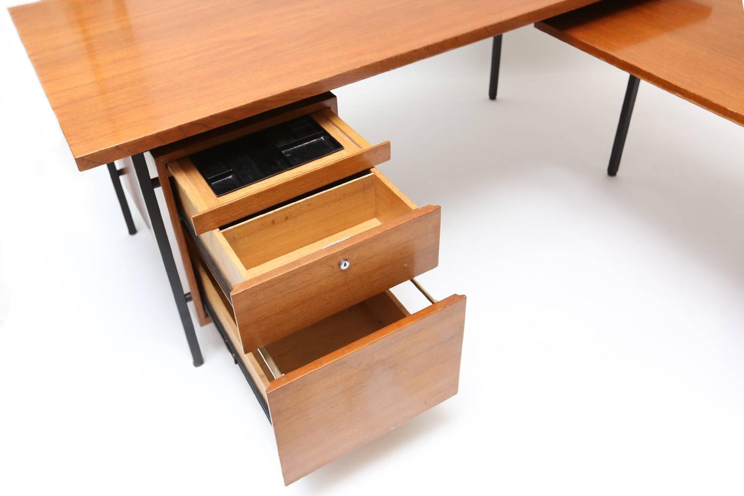 Florence knoll desk at 1stdibs for B b maison florence