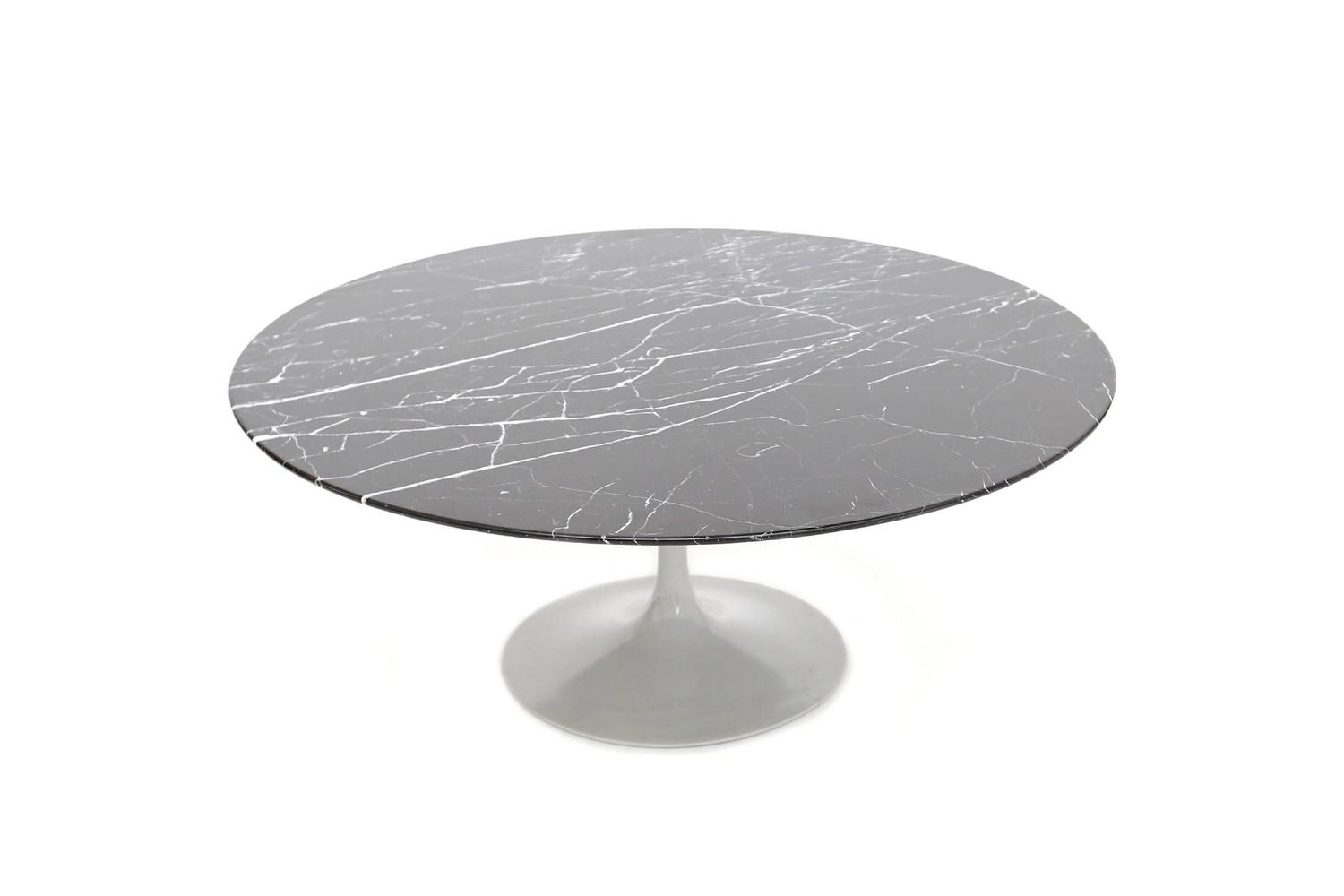 Saarinen Coffee Table Knoll At 1stdibs