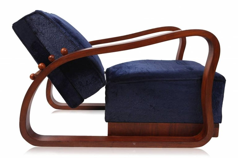 Mid-20th Century Pair of Adjustable Art Deco Lounge Chairs in Blue Velvet For Sale