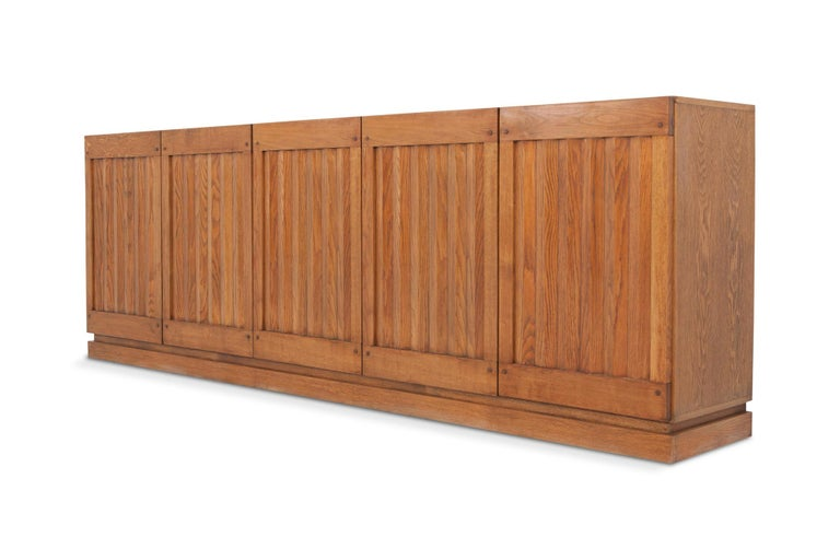 Brutalist Natural Oak Credenza with Geometric Door Panels In Good Condition For Sale In Antwerp, BE