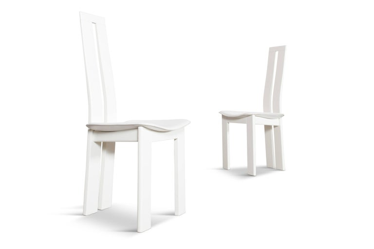 Postmodern Pietro Costantini White Leather Dining Chairs In Good Condition For Sale In Antwerp, BE