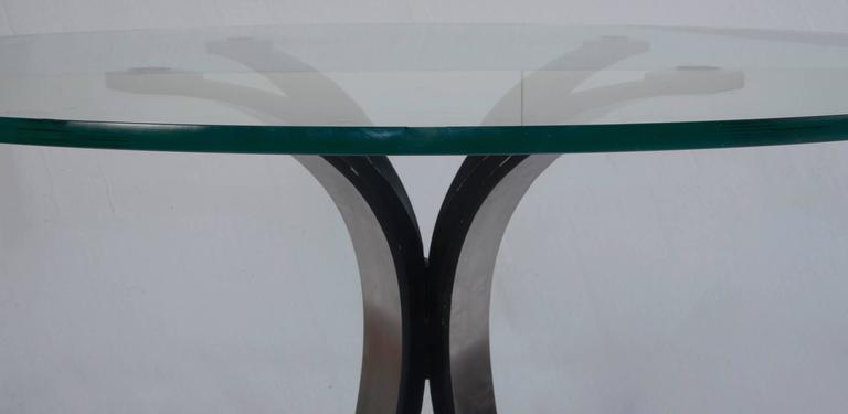T 69 Osvaldo Borsani center or dining table for Tecno.