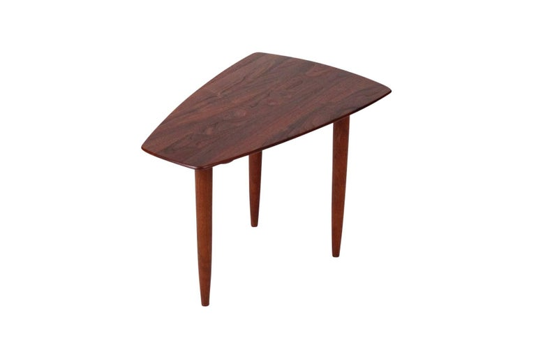 Mid-20th Century Pair of Walnut Side Tables by Ace-Hi For Sale