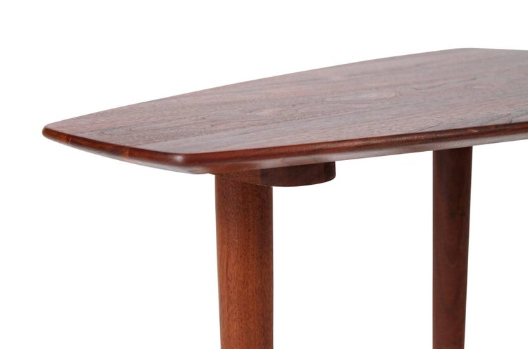 Pair of Walnut Side Tables by Ace-Hi For Sale 7