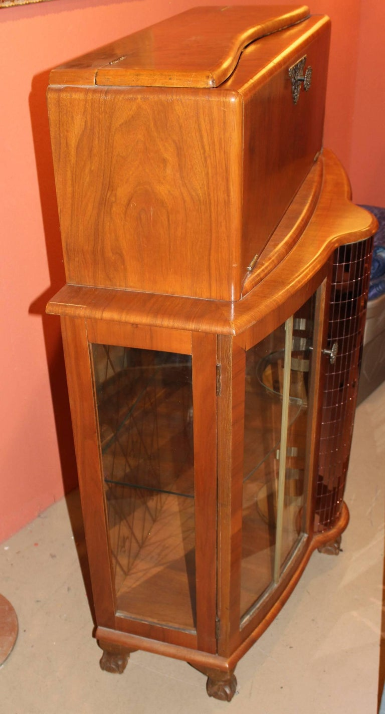 Fruitwood Art Deco Style or Midcentury Bar with Mirrored Decoration For Sale 2