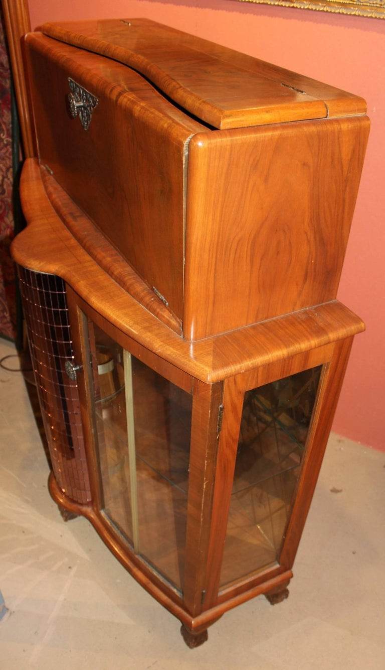 Fruitwood Art Deco Style or Midcentury Bar with Mirrored Decoration For Sale 3