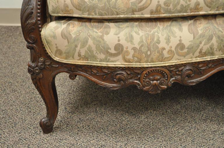 1930s French Louis XV Hollywood Regency Style Finely Carved Mahogany Sofa For Sale 4