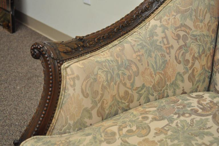1930s French Louis XV Hollywood Regency Style Finely Carved Mahogany Sofa For Sale 1