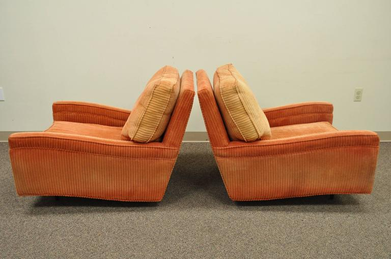 Pair of Mid-Century Modern Milo Baughman Upholstered Sculpted Club Lounge Chairs For Sale 4