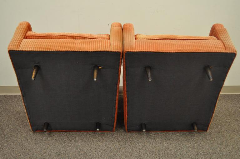 Pair of Mid-Century Modern Milo Baughman Upholstered Sculpted Club Lounge Chairs For Sale 1