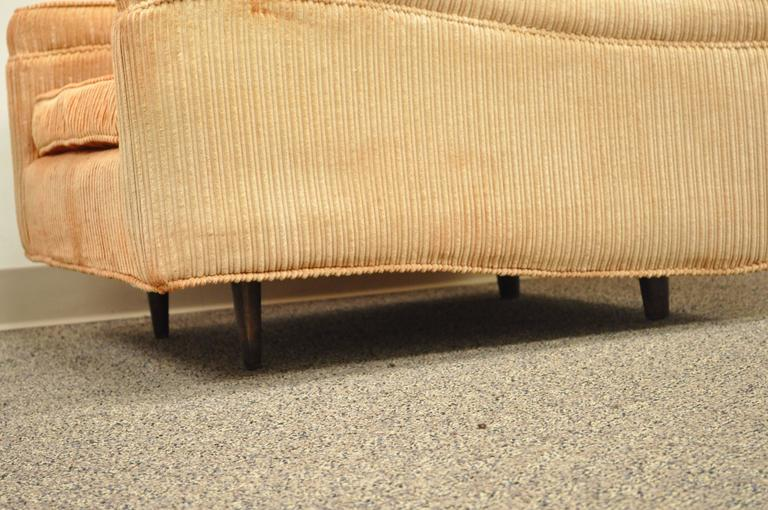Mid-20th Century Pair of Mid-Century Modern Milo Baughman Upholstered Sculpted Club Lounge Chairs For Sale