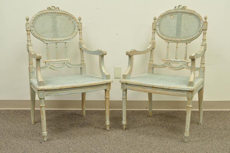5 Piece French Louis XVI Style Distress Painted Parlor or Salon Suite In Distressed Condition For Sale In Philadelphia, PA