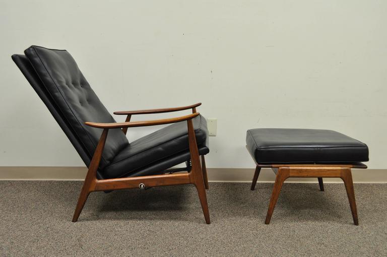 Mid Century Modern Milo Baughman For James Inc Thayer Coggin Walnut Recliner Lounge Chair
