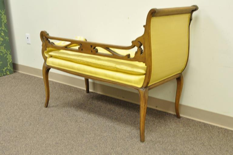 Hollywood regency french style swan carved chaise longue for Chaise longue window seat
