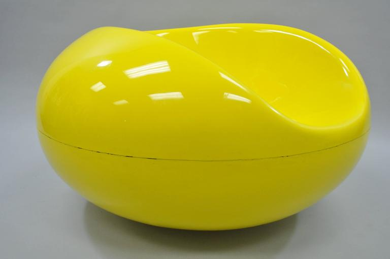 Eero Aarnio (b. 1932) Pastille chair, by Asko (aka,