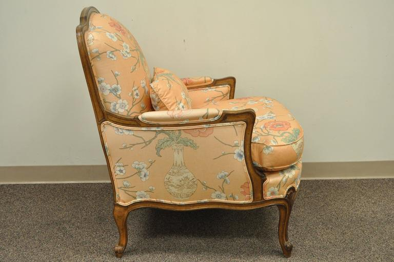 Mid-20th Century French Provincial Louis XV Style Shell Carved Bergere Arm Chair and Ottoman For Sale