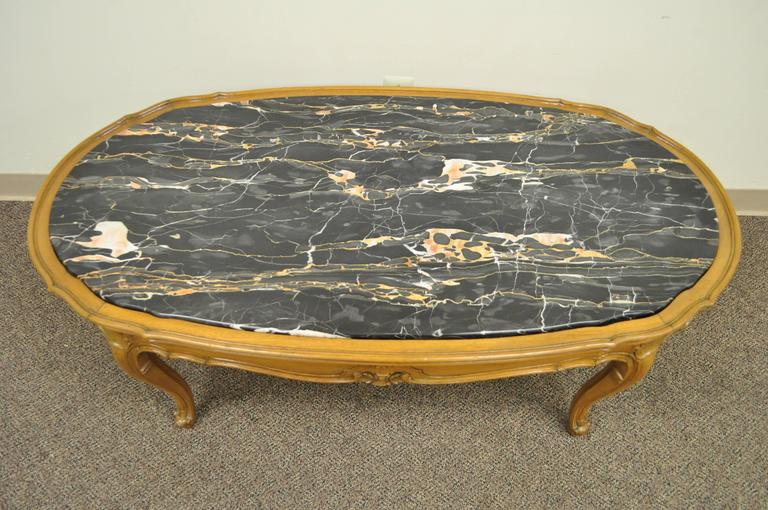 1930s French Louis XV or Country Style Oval Marble Top Walnut Coffee Table In Good Condition For Sale In Philadelphia, PA