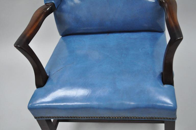 Mid-20th Century Blue Leather Office Desk Chair on Casters After Edward Wormley For Sale 2