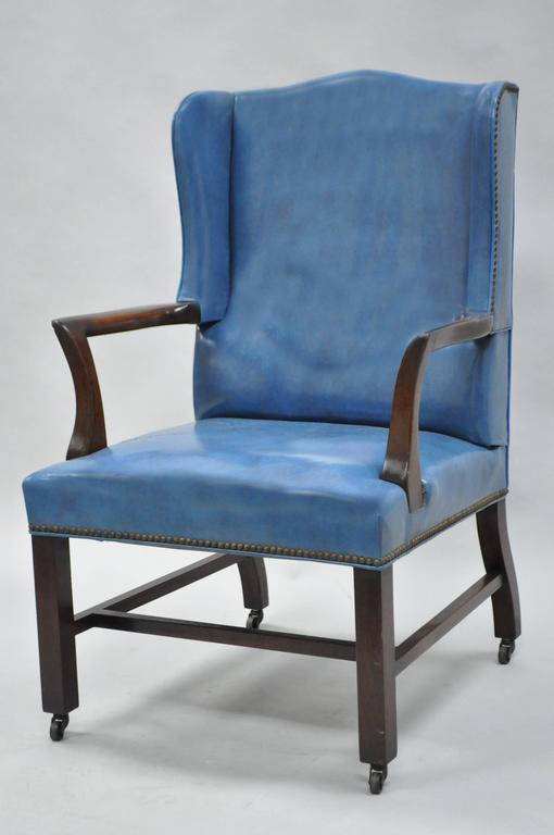 Mid-20th Century Blue Leather Office Desk Chair on Casters After Edward Wormley For Sale 5