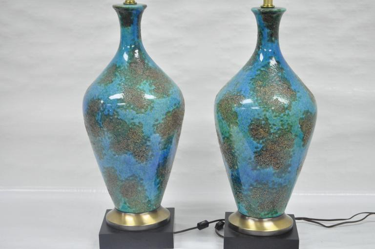 Mid-Century Modern Pair of Mid-Century Italian Modern Blue Glazed Ceramic Sculptural Table Lamps For Sale