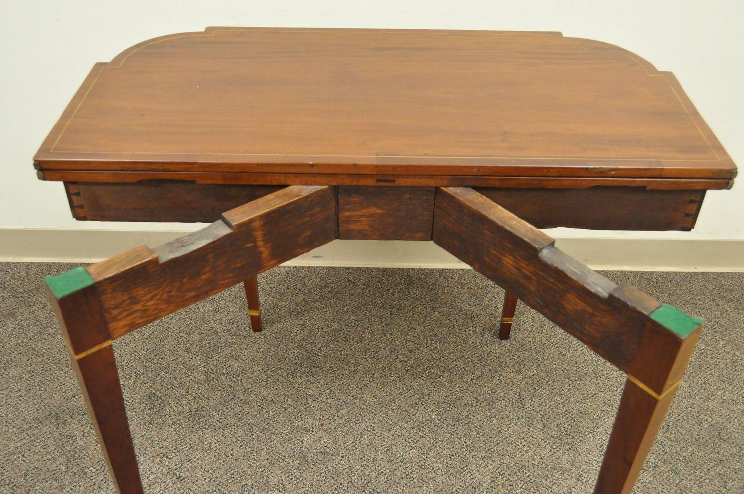 19th century heart inlaid flame mahogany federal style for Table th rotate