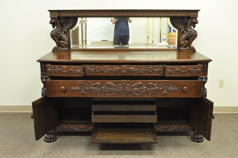 Victorian Quartersawn Oak Figural Sideboard and Mirror with Lions and Griffins In Good Condition For Sale In Philadelphia, PA