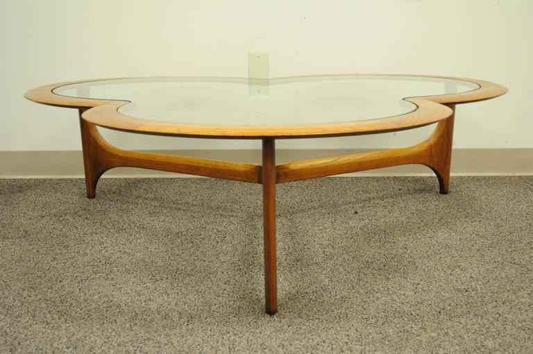 American Vintage Lane Three Leaf Clover Mid Century Modern Coffee Table Kagan Style For