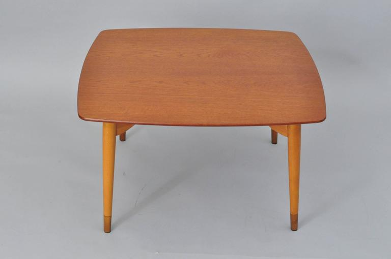 Mid-Century Danish Modern Teak Wood Grete Jalk P. Jeppesens Square Coffee Table In Excellent Condition For Sale In Philadelphia, PA