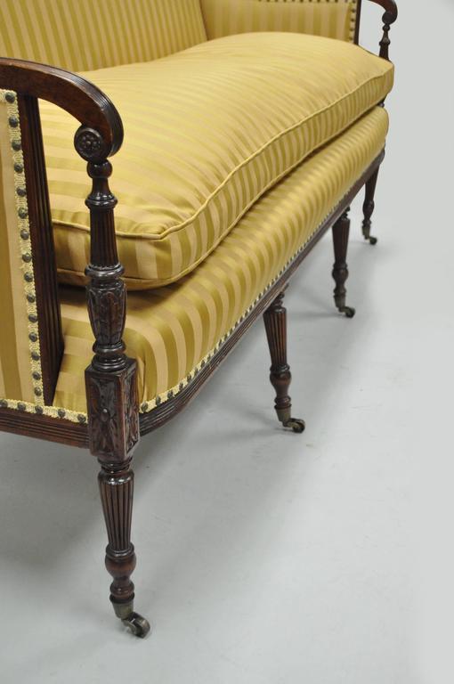 19th C Classical American Federal Cornucopia Carved Mahogany Sheraton Style Sofa For Sale 1