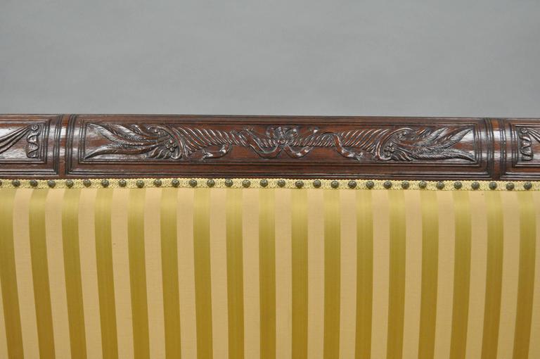 19th C Classical American Federal Cornucopia Carved Mahogany Sheraton Style Sofa In Good Condition For Sale In Philadelphia, PA