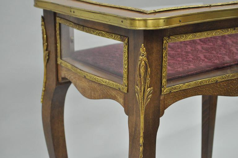Vintage French Louis XV Style Brass and Glass Flip Top Display Accent Side Table For Sale 2