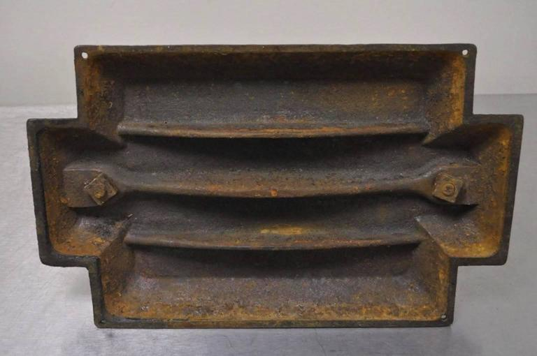 Ornate Antique 19th C Cast Iron Classical Dolphin Bookbinders Book Binders Press For Sale 3